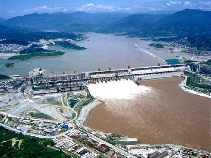 самая мощная ГЭС в мире построена в Китае