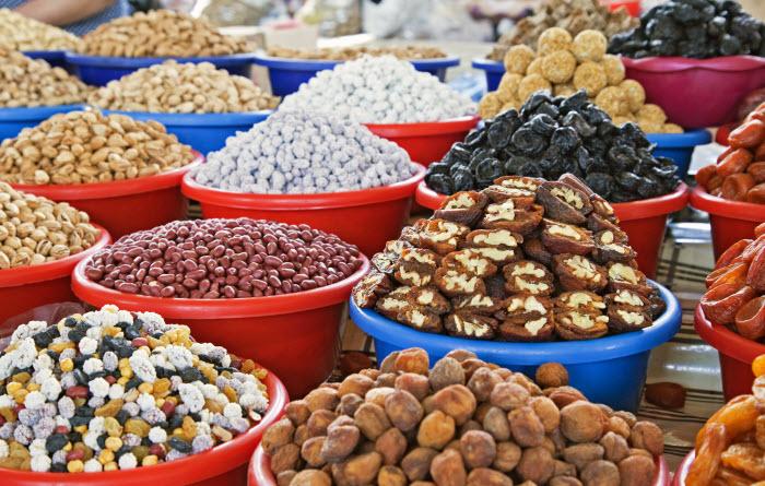 сухофрукты на рынке в Ташкенте, столице Узбекистана